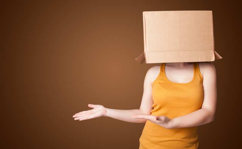 woman_box_head_810_500_55_s_c1